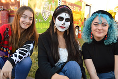 Curbside trio (radargeek) Tags: dayofthedead plazadistrict okc oklahomacity 2018 october catrina festival bluehair facepaint