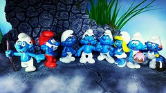 """Is it much furth..."" ""YES Brainy it is!"" (custombase) Tags: schleich smurfs figures thesmurfs smurf journey tracker papa grouchy brainy hefty smurfette greedy handy"