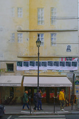 Trompe l'œil rue e Bretagne (Edgard.V) Tags: paris parigi architecture arquitectura architectura sreet art urban urbano arte callejero mural fenêtres windows ventanas janelas finestre