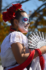 A fan for the dance (radargeek) Tags: dayofthedead plazadistrict okc oklahomacity 2018 october catrina festival facepaint everythinggoesdancestudio dancing