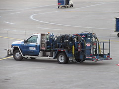 Swissport Fueling Services 139 (TheTransitCamera) Tags: airport fly travel aviation swissport swissportfuelingservices fuel ground ford rig