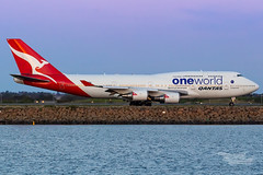 VH-OEF QF B747 34L YSSY-8300 (A u s s i e P o m m) Tags: sydney newsouthwales australia qantas qf boeing b747 b747400er syd yssy sydneyairport oneworld queenoftheskies vhoef