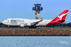 VH-OEF QF B747 34L YSSY-8314 (A u s s i e P o m m) Tags: sydney newsouthwales australia qantas qf boeing b747 b747400er syd yssy sydneyairport oneworld queenoftheskies vhoef