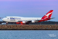 VH-OEF QF B747 34L YSSY-8302 (A u s s i e P o m m) Tags: sydney newsouthwales australia qantas qf boeing b747 b747400er syd yssy sydneyairport oneworld queenoftheskies vhoef