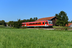 628 519-7 / 928 519-7 DB Regio Westfrankenbahn I RB 27345 I Steinhöring (9265) (CNL 482) Tags: nikon d750 nikond750 iamnikon fx digital fotografie eisenbahn eisenbahnfotografie zug train rail railways steinhöring kbs948 regionalzug regionalbahn rb27345 6285197 br628 baureihe628 dieseltriebzug diesel dieselstrecke westfrankenbahn südostbayernbahn dbregio dbregiobayern wasserburgaminn mühldorfaminn blau blue green red rot sommer