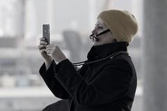 XOU XOU | Smartphone world (picsessionphotoarts) Tags: nikon nikonphotography nikonfotografie nikond850 norddeutschland ostsee balticsea warnemünde hafen harbor port streetphotography urbanromantix streetphotomag streetphotoawards streetphotographers thestreetphotographyhub afsnikkor80400mmf4556gedvr frau woman smartphone