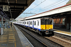 315825 315830 Romford (CD Sansome) Tags: tfl transport for london 315 geml great eastern main line train trains crossrail romford station 315825 315830