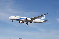 IA 4X-EDA @ Myrtle Avenue, London (Heathrow Airport) (ianjpoole) Tags: israel airlines boeing 7879 dreamliner 4xeda arriving with flight ly315 telaviv ben gurion international airport london heathrow
