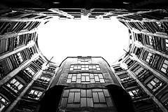 La Pedrera (jlborelli) Tags: pedrera barcelona blancoynegro blackandwhite streetphotography gaudi casa house cataluna architecture sonyalpha6000 sony