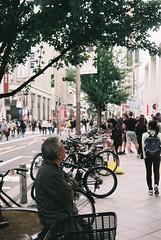 物思い (Architecamera) Tags: filmphoto color snap shinjuku street city people