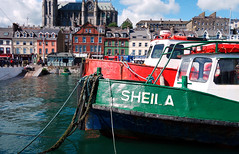 Sheila agus Turbot Bank, an Còbh (Rhisiart Hincks) Tags: sheila éire bád farraige cuan contaechorcaí ancóbh ireland sea boat harbour môr iwerddon cwch cobh glas countycork harbwr dearg