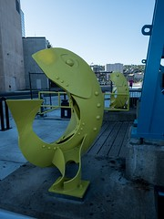 P8236807 (Copy) (pandjt) Tags: minnesota travelogue roadtrip unitedstates usa duluth duluthmn fishsculpture sculpture publicart yellowfish minnesotaslipbridge bluebridge canalpark