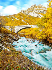 Un voyage inattendu... (M4x G4x) Tags: alpes rivière effet pose longue soyeux automne pont montagne cascade