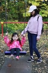 SAKURAKO and SAKIKO. (MIKI Yoshihito. (#mikiyoshihito)) Tags: japan sakurako 櫻子 さくらこ 娘 daughter サクラコ 長女 11歳 eldestdaughter