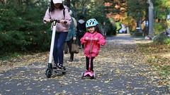 SAKIKO - m-cro's 3-wheeled Mini-Deluxe scooter. (MIKI Yoshihito. (#mikiyoshihito)) Tags: japan sakurako 櫻子 さくらこ 娘 daughter サクラコ 長女 11歳 eldestdaughter 電動キックボード 電動キックスケーター キックスケーター キックボード micro 3wheeledminideluxescooter マイクロ mcro