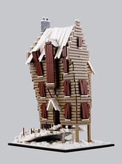 Harry Potter – The Shrieking Shack G (Xenomurphy) Tags: lego moc bricks afol harrypotter shriekingshack prisonerofazkaban whompingwillow remuslupin siriusblack hogsmeade architecture haunted werewolf
