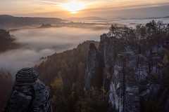 Good Morning Bastei (Rafael Zenon Wagner) Tags: sachsen saxony bastei felsen rocks sigma 40mm nikon d810 sonnenaufgang sunrise nebel fog stimmung mood licht light
