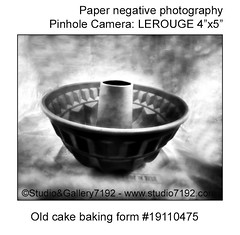 Old cake baking form - This black and white camera obscura photo is NOT sharp due to camera characteristic. Taken on analogue photographic Kentmere Photographic Paper, Kenthene Glossy M.WT.2 - 1:10min - Developer: Tetenal Eukobrom AC 1:9 at ISO 6, with a (jbeugephoto) Tags: old food background bake kitchen baking bakery cake form table rustic utensil traditional shape recipe object retro simple metal design antique nostalgia nostalgic photo camera analogue analogphotography analog photography photographic pinholecamera outoffocus blurry nolens lerouge large format 45 54 lerouge45 lerouge54 kentmere developer tetenal eukobrom glossy paper iso6