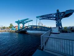 P8236793 (Copy) (pandjt) Tags: minnesota travelogue roadtrip unitedstates usa duluth duluthmn minnesotaslipbridge bluebridge slipbridge steelbasculedrawbridge basculedrawbridge drawbridge pedestrianbridge canalpark