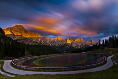 Pale di San Martino - Sunset (paolo_barbarini) Tags: landscape paesaggio montagne mountains lake lago tramonto sunset colori colors paledisanmartino dolomiti dolomites italia italy trentino alpi nuvole clouds