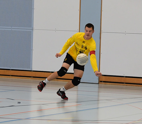 "33.Faustballturnier Waldkirch NLA • <a style=""font-size:0.8em;"" href=""http://www.flickr.com/photos/103259186@N07/49007721898/"" target=""_blank"">View on Flickr</a>"