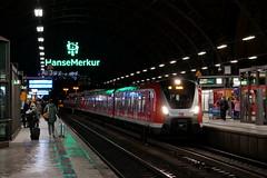 P1970156 (Lumixfan68) Tags: eisenbahn züge et bombardier baureihe 490 hamburger sbahn hamburg db deutsche bahn triebzüge vollzug stadtverkehr