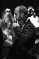 Perfil de cello (Guillermo Relaño) Tags: mendelssohn sueño noche verano especial pqee ¿porquéesespecial camerata musicalis teatro nuevoapolo madrid guillermorelaño sony a7 a7iii a7m3 byn bw blackandwhite blancoynegro perfil cello chelo violonchelo orquesta orchestra