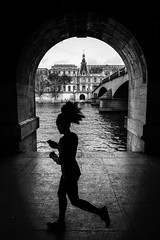 New message? (Mustafa Selcuk) Tags: ruesdeparis photoderue streetphotography streetphotographer streetshooter street seine silhoutte run courir jogging fujifilmfrance monochrome monochromatic noiretblancphotographie noiretblanc bw bnw blackandwhite parisienne louvre 2019parisfrancefujifilm 2019 paris france fujifilm