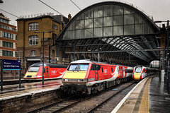 Three Generations (Andrew Shenton) Tags: london kings cross azuma hst class91 91125 43319 800107 station railway train lner