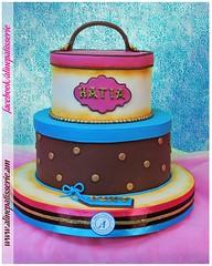 Unisex Giftbox Birthday Cake (alinepatisserie) Tags: cake cakes cakeart cakeartist cakestudio cakeboutique cakelove cakedecorator