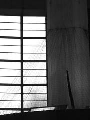 Concrete and Netting (failing_angel) Tags: 180519 london piccadillylinetour londonboroughofenfield arnosgrove charlesholden adamsholdenandpearson charleshutton frankpick
