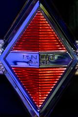 Renault (m_laRs_k) Tags: renault champsélysées macromondays brandandlogos z paris france hmm 巴黎 пари́ж zorro