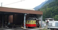 RD18939.  SPB Nr. 20 at Wilderswil. (Ron Fisher) Tags: spb schynigeplattebahn rackrailway rail railway railroad eisenbahn chemindefer schmalspurbahn voieetroite narrowgauge narrowgaugerailway train transport publictransport zahnradbahn schweizerischeeisenbahnen schweiz dieschweiz lasuisse suisse switzerland swissrailways railwaysofswitzerland compactcamera eisenbahninderschweiz eisenbahneninderschweiz sony sonyrx100iii sonyrx100m3 ferrovia 800mmspur 800mmgauge locomotive electriclocomotive tren trein