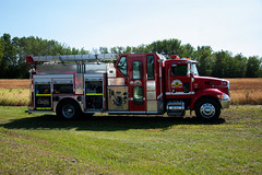 Fort Vermilion Fire Truck (Bracus Triticum) Tags: fort vermilion fire truck アルバータ州 alberta canada カナダ 8月 八月 葉月 hachigatsu hazuki leafmonth 2019 reiwa summer august