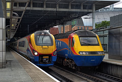 "East Midlands Trains ""Meridian"" DMU 222 021 and HST No. 43082 at St Pancras Station on 28 Aug 2019 (Trains and trams eveywhere) Tags: eastmidland trains dmu nationalrail britain railways class222 meridian stpancras london terminus"