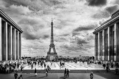 Place du Trocadéro (Neil Cornwall) Tags: 2019 europe france october parisfrance september fall