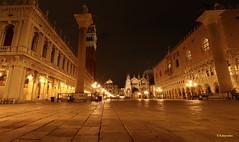 Notte veneziana... (hmeyvalian) Tags: venezia venise venice piazzasanmarco veneto italia italie italy canoneosm5 efm1122isstm f63 30sec 12mm iso100