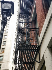 (Kylee Vincent Photography) Tags: new york nyc ny empire state kylee ulianokylee vincent photographyfallautumnnew usa unitedstatesofamerica america view art photography architecture city buildings building history historic empirestate fall autumn vacation trip walk 2019 october oct manhattan icon iconic fire escape fireescape design line brick stone stairs ladder uliano