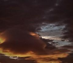 Parece que al final se ve el azul (enrique1959 -) Tags: martesdenubes martes nubes nwn bilbao vizcaya españa europa euskadi paisvasco