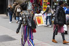 New York People (Samarrakaton) Tags: samarrakaton 2019 nikon d750 2470 nyc brooklyn eeuu usa estadosunidos norteamerica vacaciones holidays viaje travel gente people urbana urban street callejera mujer woman chica girl