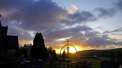 PAYSAGES DE PICARDIE 348 (aittouarsalain) Tags: picardie landscape paysage aurore jour aube croix soleil ciel nuages cimetière