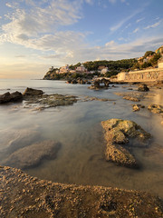 la canzone del mare (Sergey S Ponomarev) Tags: sergeysponomarev canon eos landscape paysage paesaggio landschaft summer autumn italy italia 2019 settembre mare sea toscana suscany castiglioncello europe beach clouds rocks stones le 70d efs1018f4556isstm hoyafilters nd8 travel trip tourism sunset buildings rest vacation transparency сергейпономарев море путешествие туризм отдых каникулы италия тоскана закат вода облака курорт европа сентябрь highdynamicrange hdr