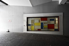 mondrian garage (gro57074@bigpond.net.au) Tags: destijlartmovement f63 november2019 1424mmf28 nikkor d850 nikon cbd sydney composition guyclift color colour mondraininspired mondrian garage streetphotography