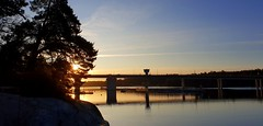November morning. (Papa Razzi1) Tags: november morning sunrise sweden stockholm sea waters 32f beautiful cold s9 2019