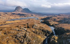 Suilven and Fionn Loch from Falls of Kirkaig (ShinyPhotoScotland) Tags: fionnloch loch gorge river beautiful colour warm fall autumn awesome light sunlight highlands pixelmatorphoto hdr djimavic2pro drone nature landscape scotland assynt mountain suilven
