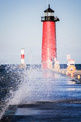 lighthouse (Yuki (8-ballmabelleamie)) Tags: pierheadlighthouse beacon jetty wave waves spray splash splatter water windy summer afternoon evening wisconsin kenosha frontagebokeh forwardlight 灯塔 岸标 topic