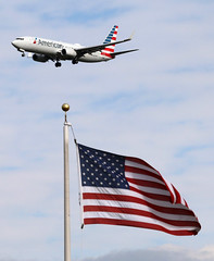AMERICAN...... (GeorgeM757) Tags: american flag 737 aircraft aviation landing canon70d georgem757 kcle clevelandhopkins