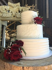 IMG_6305 (backhomebakerytx) Tags: backhomebakery back home bakery texas texasbakery wedding three tier ribbon texture piped lace flower buttercream bride brides