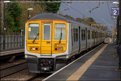Northern 319372 (Mike McNiven) Tags: electric liverpool manchester airport crewe emu northern limestreet manchesterairport thameslink arriva multipleunit railnorth