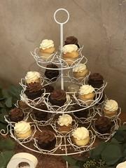 IMG_7716 (backhomebakerytx) Tags: backhomebakery back home bakery cake texasbakery texas wedding mini cupcakes
